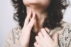 Доброкачественные опухоли глотки и гортани: симптомы и лечение