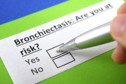 Бронхоэктатическая болезнь легких: причины, симптомы и лечение