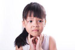 Заглоточный абсцесс: причины, симптомы, лечение