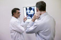 Рентгенография шеи: плюсы и минусы методики